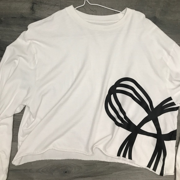 White cropped TNA shirt